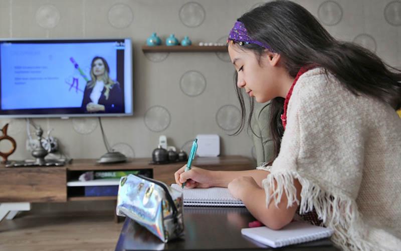İlkokul ve ortaokullarda uzaktan eğitime geçişle ilgili usul ve esaslar belli oldu