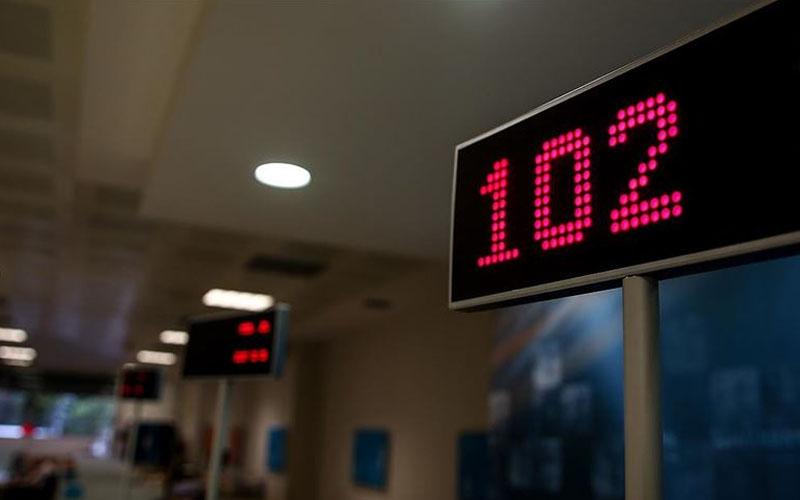 Coronavirüs salgını nedeniyle bankalar çalışma saatlerini değiştirdi