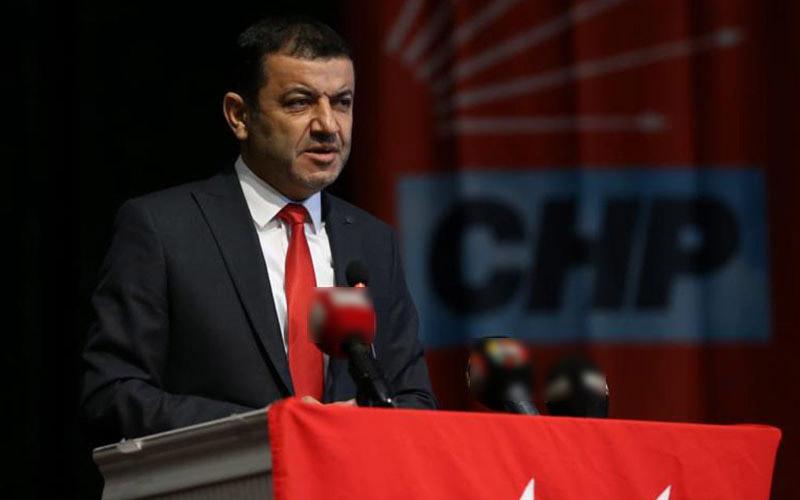 Çavuşoğlu'ndan Vali  Atik'e 23 Nisan töreni eleştirisi