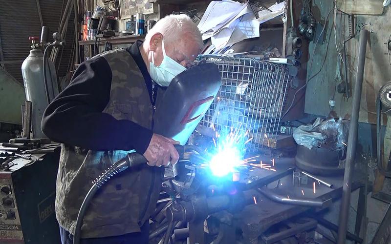 83 yaşındaki emekli öğretmen ihracatçı oldu