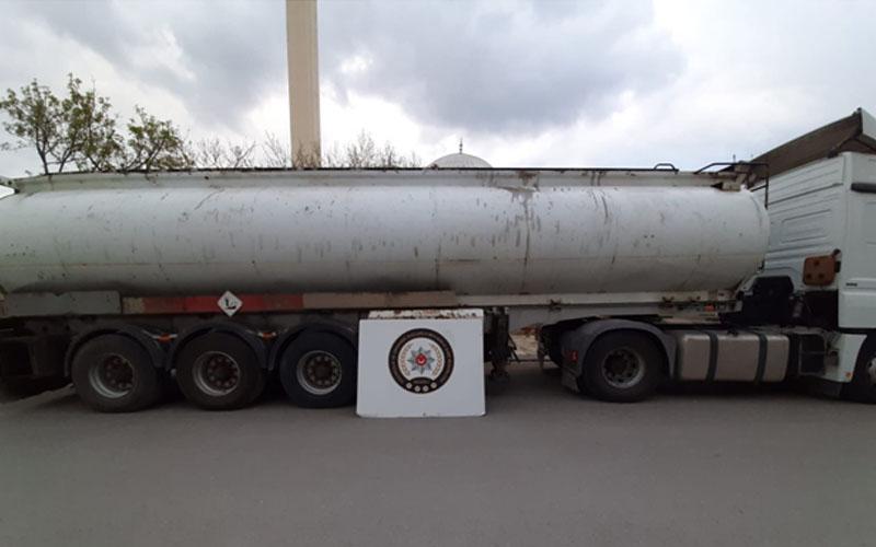 Polis tanker dolusu karışımlı akaryakıt ele geçirdi