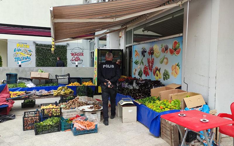Markette bıçaklı saldırıya uğrayan esnaf ağır yaralandı
