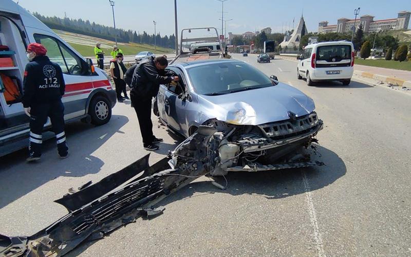 Devrilen otomobil sürüklendi: 1 yaralı