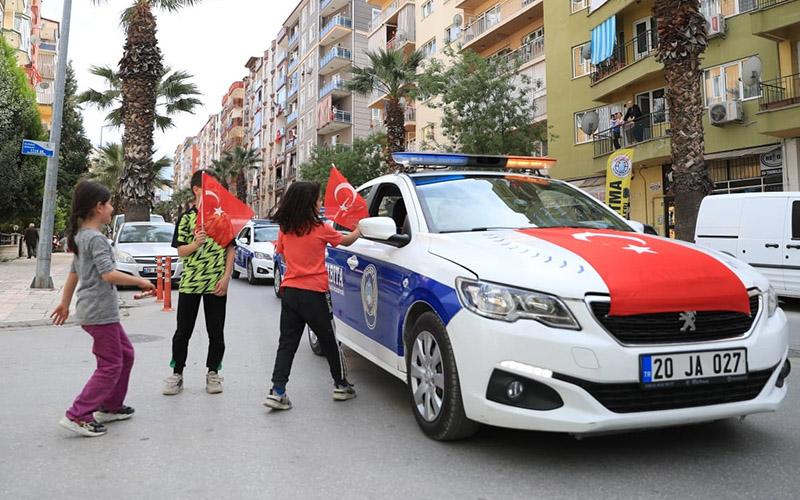 Pamukkale Belediyesinden 23 Nisan konvoyu