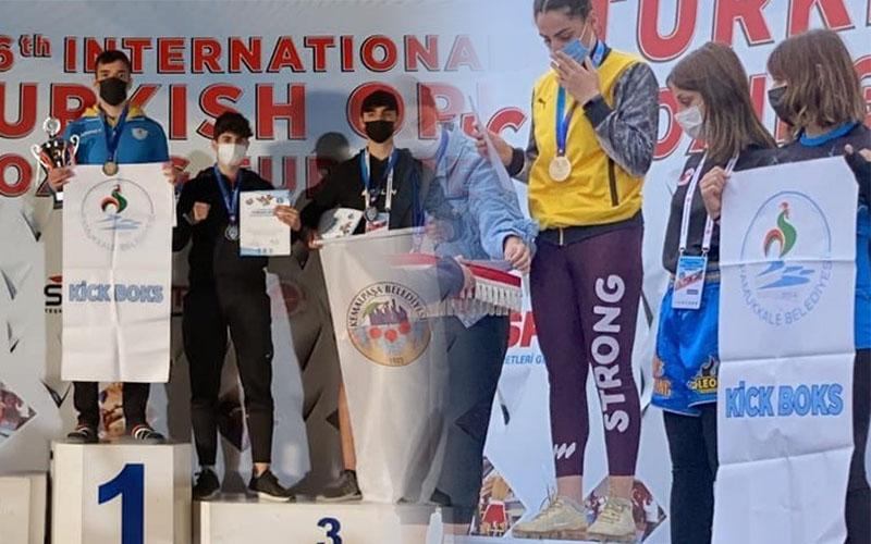 Pamukkale Belediyesporlu kick boksçular, 1 altın ve 2 bronz madalya kazandı