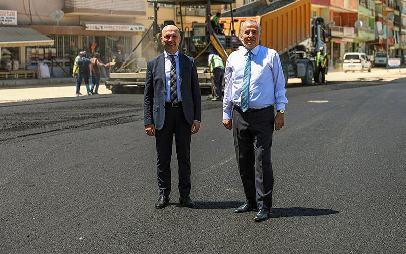Denizli Büyükşehirden Sarayköy'e  325 km altyapı, 75 bin ton asfalt