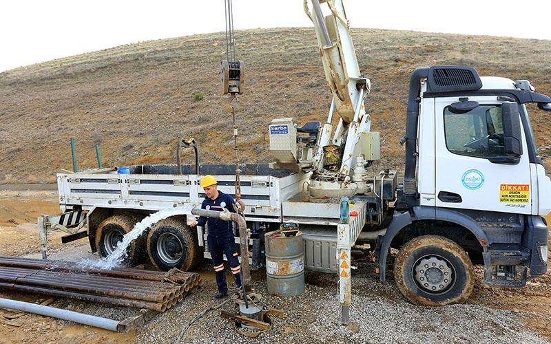 Çivril'de saniyede 25 l/sn debiye sahip su kaynağı bulundu