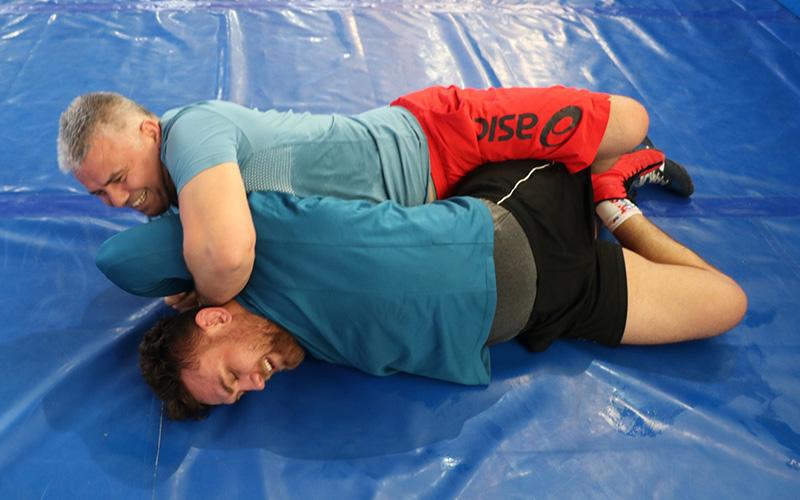Milli güreşçi Süleyman Karadeniz, Tokyo Olimpiyatları için form tutuyor