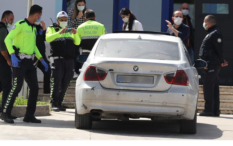 Polisin 'dur' ihtarına uymayan sürücü kovalamaca sonunda yakalandı