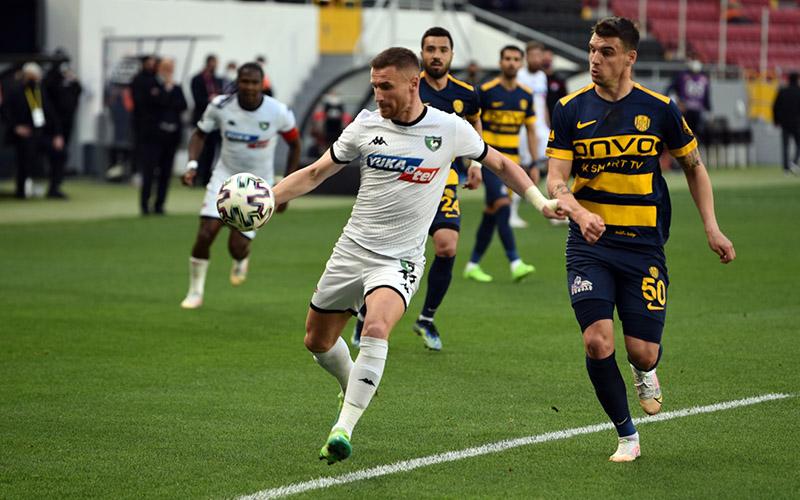 Denizlispor, Ankaragücü ile 1-1 berabere kaldı
