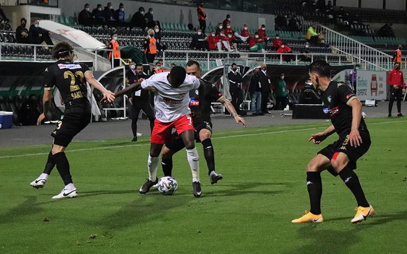 Denizlispor, Sivasspor ile 1-1 berabere kaldı