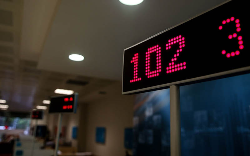 Bankaların çalışma saatlerinde emekliler için düzenleme