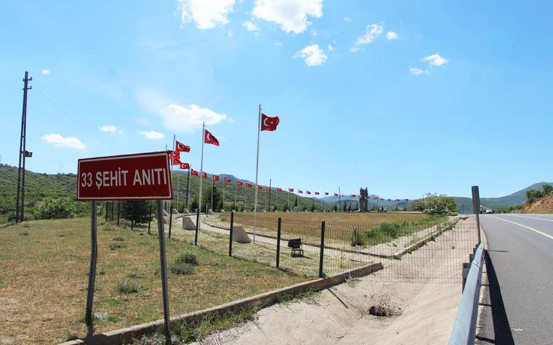 Denizli, Bingöl'deki kahpe saldırıda şehit düşen 7 Mehmetçiği unutmadı