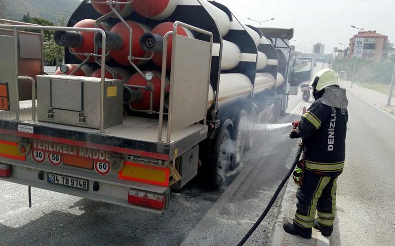 Dökmegaz tankları taşıyan araçta yangın çıktı