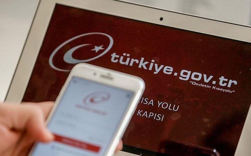 Vatandaşlar, bölgede görev yapan polislerin kimlik bilgilerine ulaşabilecek