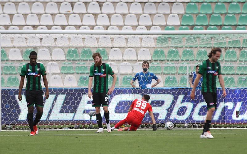Denizlispor, Rizespor'a 1-0 yenilerek küme düşen ilk takım oldu