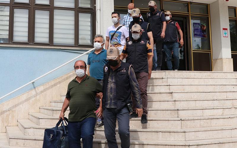 Haklarında kesinleşmiş hapis cezası bulunan 10 FETÖ üyesi yakalandı
