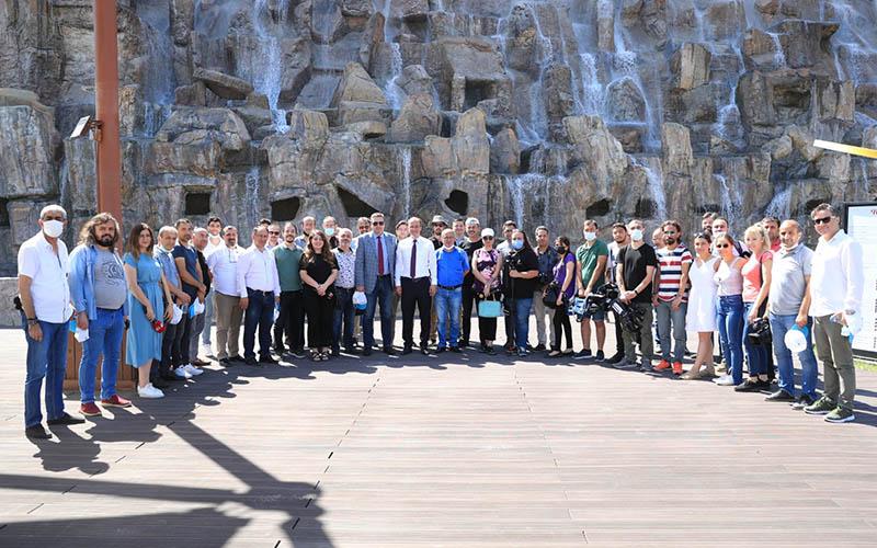 Örki, gazetecilere Seyir Tepesi'ni gezdirdi