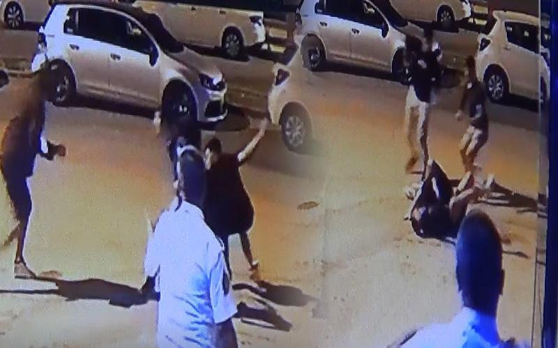 Gençlerin bıçaklı kavgasında 2 kişi yaralandı