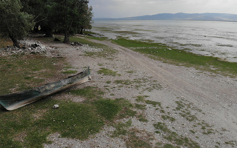 Kuraklık Işıklı Gölü'nü de vurdu