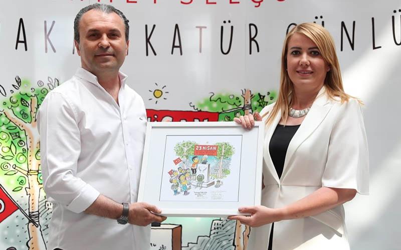 Mehmet Selçuk'un Korona Karikatür Günlüğü kitap oldu