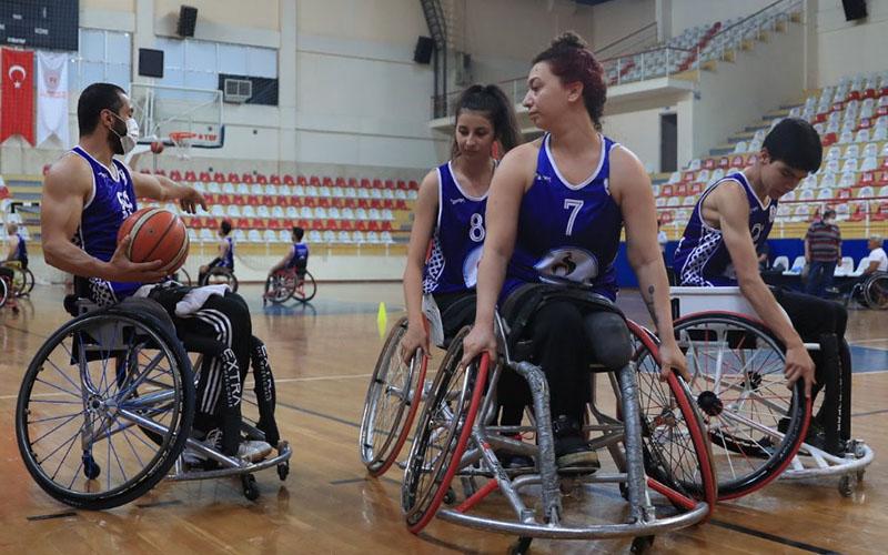 Pamukkale Belediyespor Tekerlekli Sandalye Basketbol Takımı lige hazır