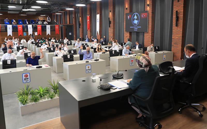 Pamukkale Belediyesinden esnafa 1.400 lira maddi destek kararı