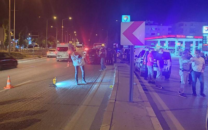 Trafik magandası, tartıştığı sürücünün aracına kurşun yağdırdı