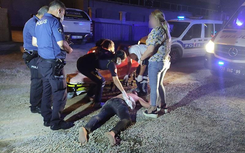 Bıçaklı kavgada 1'i ağır 4 kişi yaralandı