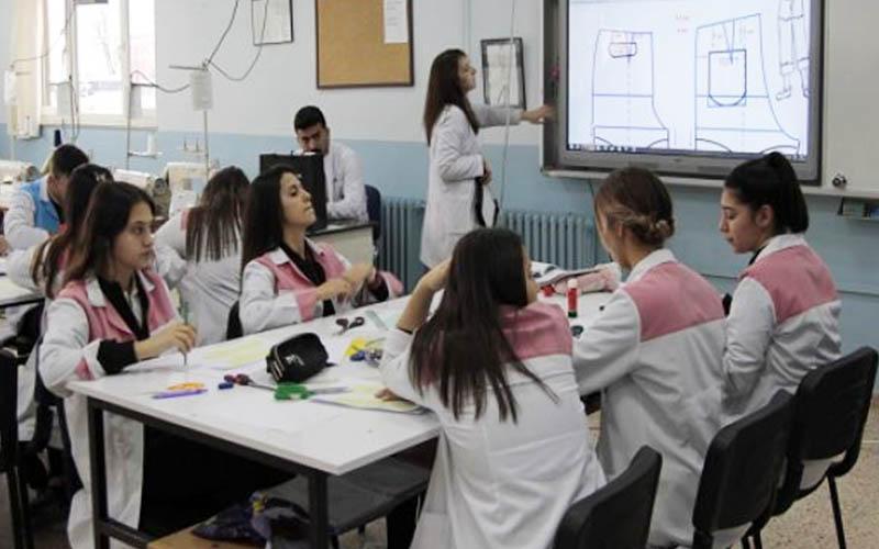 DOSAV'dan iş insanlarına çağrı: Çelenkleriniz eğitime katkı olsun
