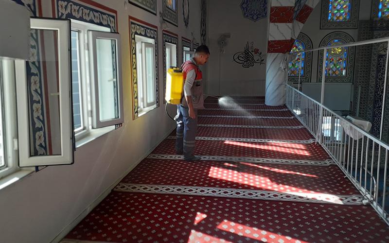 Buldan'da camiler dezenfekte edildi