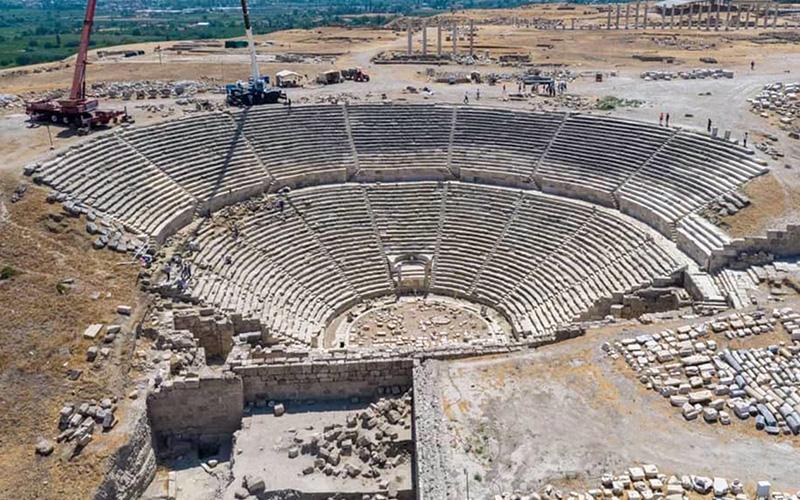 Çalışmalar tamamlandı, 2200 yıllık antik tiyatro ayağa kalktı