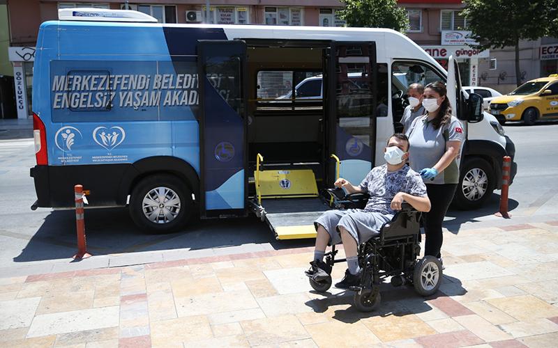 Merkezefendi Belediyesi engellilere ulaşım desteğini sürdürüyor