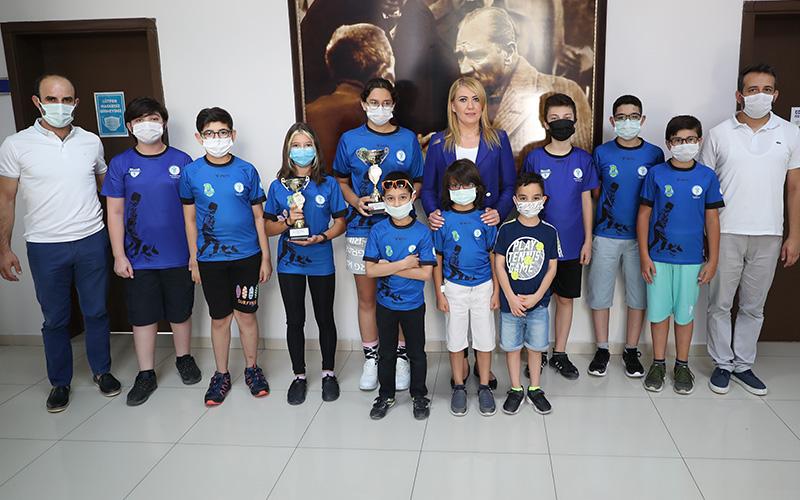 Merkezefendi Belediyesi Gençlik ve Spor Kulübü, satrançta 2 kupa kazandı