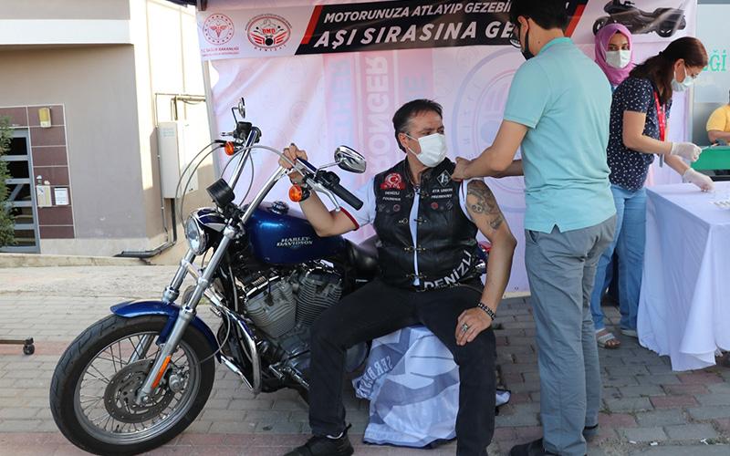 Motosiklet tutkunları, aşının önemine dikkati çekti