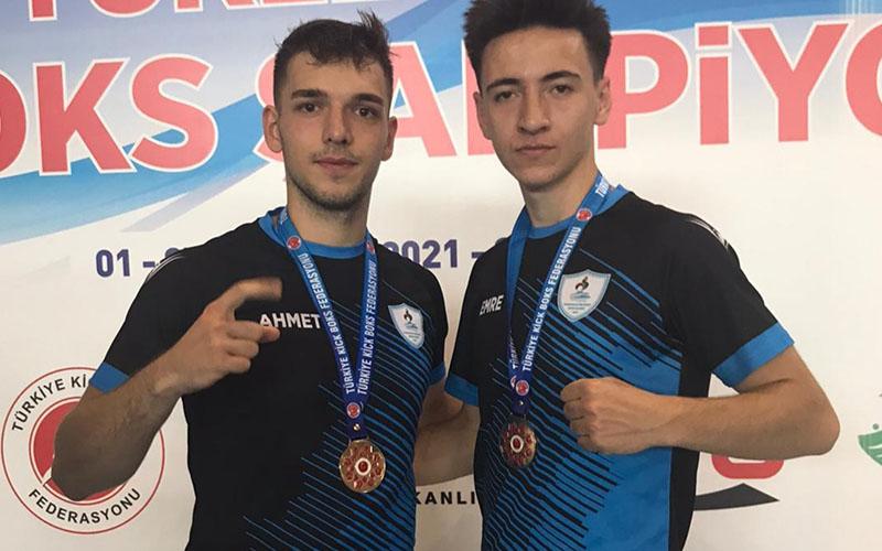 Canbeldek ve Özeren, kick boksta Türkiye şampiyonu oldu