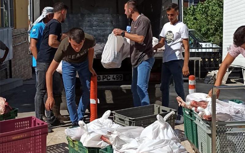 PASVAK hayırseverlerin kurban eti bağışlarını 1.125 aileye ulaştırdı