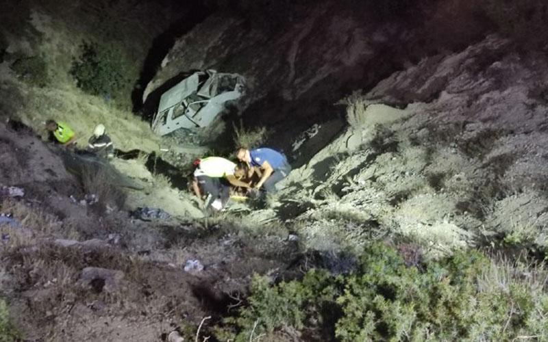 Aracıyla birlikte uçuruma yuvarlandı, böyle kurtarıldı