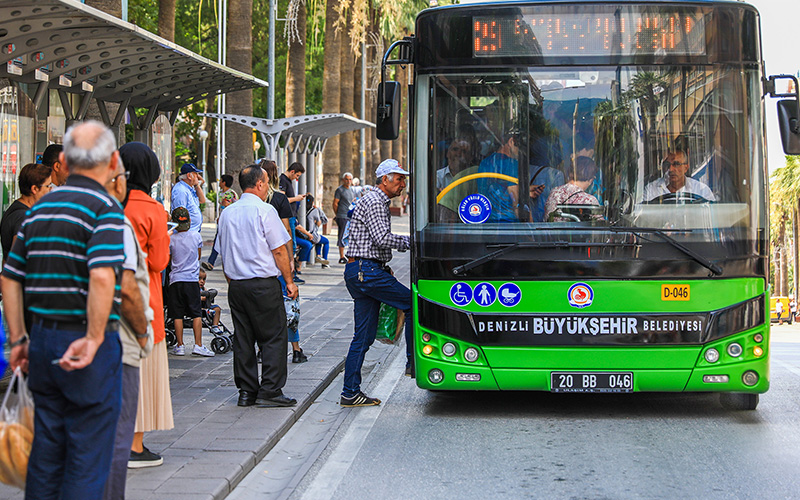 Belediye otobüsleri ücretsiz yolcu taşıyacak