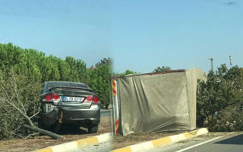 Denizli-İzmir karayolunda otomobil ile kamyon çarpıştı