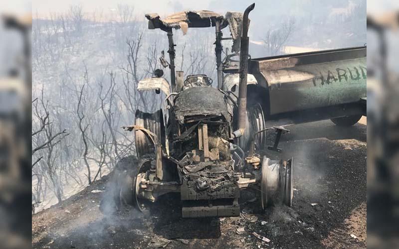 Yangın bölgesine su tankeri taşıyan traktör yandı