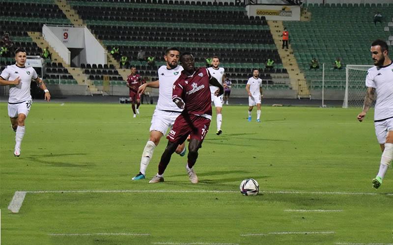 Denizlispor, evinden Bandırmaspor'a 2-0 yenildi