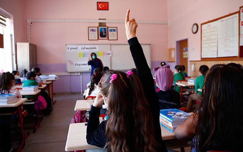 MEB okullarda covid-19 vakası durumunda yapılacakları tek tek açıkladı