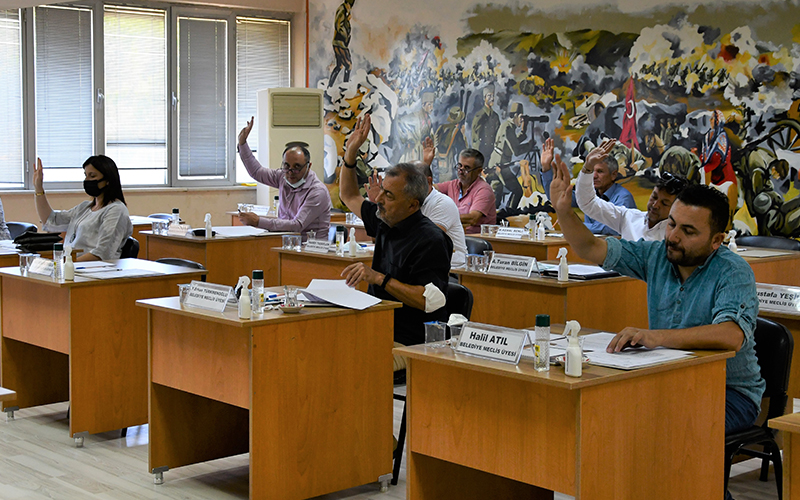 Buldan Belediye Meclisinden esnafa kira desteği
