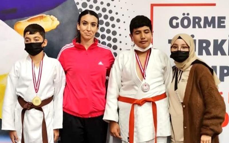 Engelli judoculardan 1 altın, 1 gümüş madalya