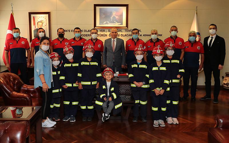 İtfaiye Daire Başkanlığı personeli ve öğrencilerden Zolan'a ziyaret