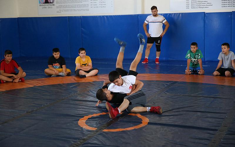 Merkezefendi'de 14 branşta verilecek spor kursları için başvurular başladı