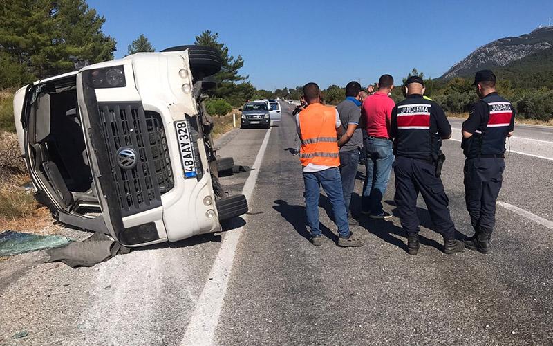 Tur otobüsü ile öğrenci servisinin çarpıştığı kazada yaralı sayısı 55'e yükseldi