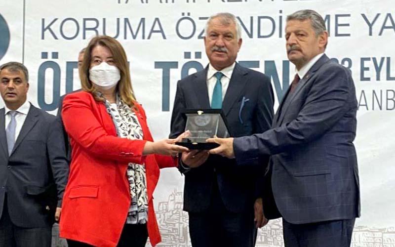 Tarihi Kentler Birliği'nin yarışmasında dereceye giren Pamukkale Belediyesi ödülünü aldı