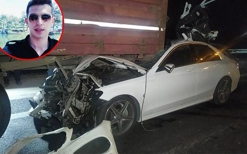 Polis memuru ve kardeşi trafik kazasında hayatını kaybetti